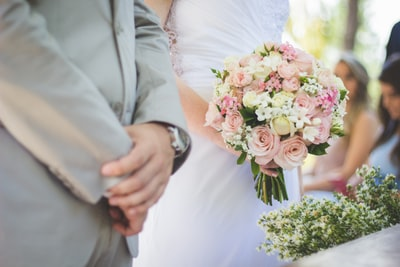 ミルクボーイ内海崇がM-1優勝して結婚!彼女の名前と顔画像は?