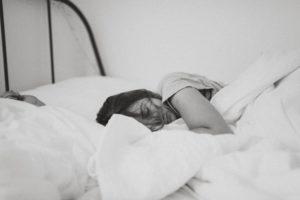 寝る前のスマホをやめたら睡眠の質に変化あり?この差って何ですか?