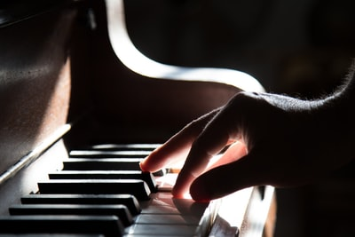 MステMattの見逃し動画!歌声に驚愕?ピアノや歌が上手い理由!